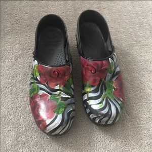Dansko Clogs Hand Painted Size 39